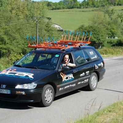 Cyril dans la voiture du club